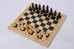 Koka šahs un dambretes